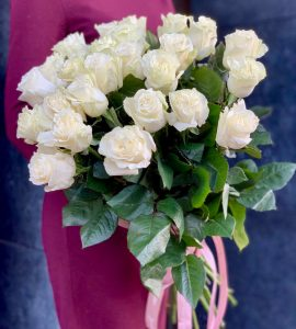 Twenty one white rose Mondial – Flower shop STUDIO Flores