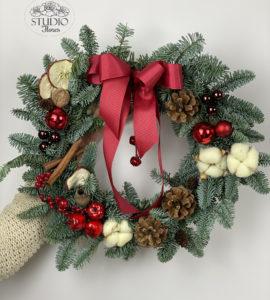 Classic wreath – Flower shop STUDIO Flores