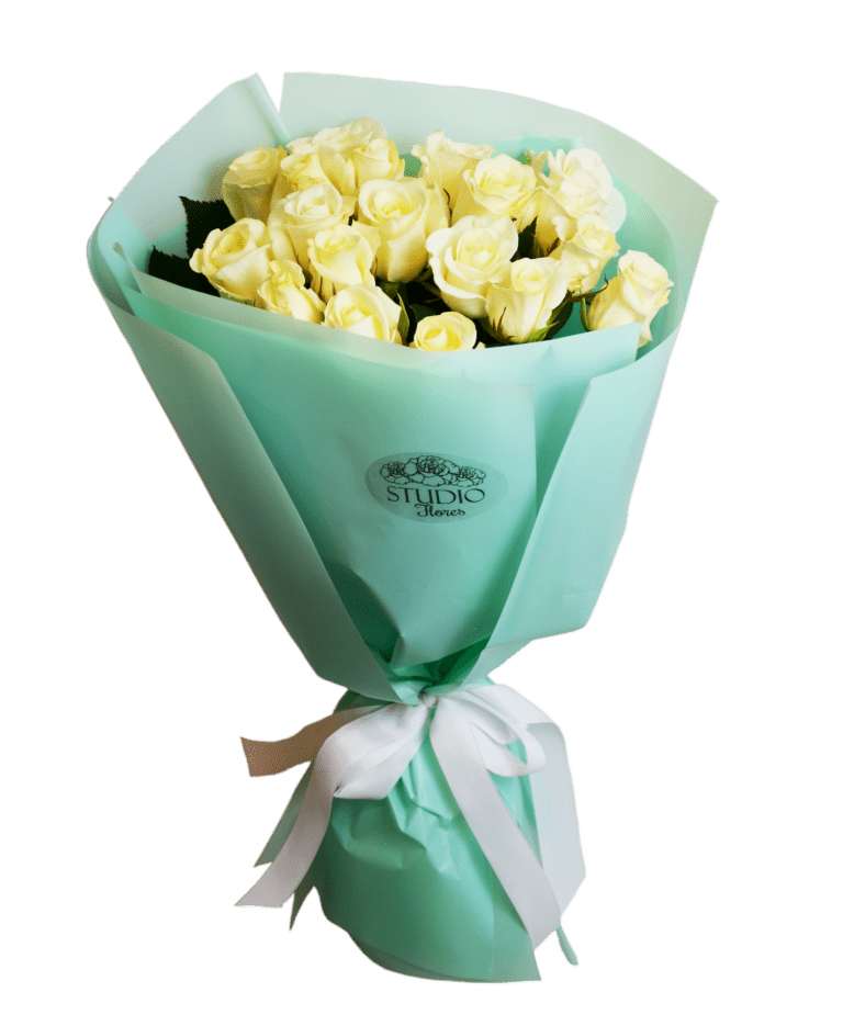 19 white roses – Flower shop STUDIO Flores