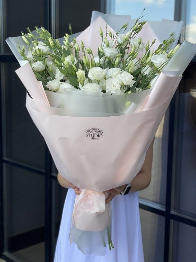 Букет гигант с эустомой – Интернет-магазин цветов STUDIO Flores