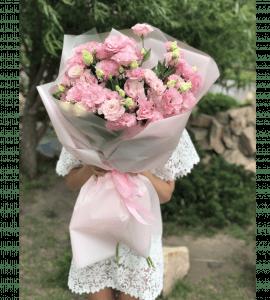 Букет гигант с эустомой – Flower shop STUDIO Flores