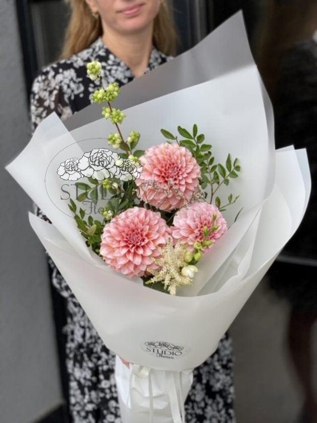 Boquet-to the beloved teacher – Flower shop STUDIO Flores