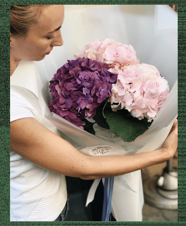 Букет з гортензією – Інтернет-магазин квітів STUDIO Flores