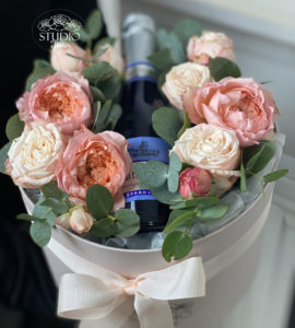 Bouquet 'Sparks of champagne' – Flower shop STUDIO Flores