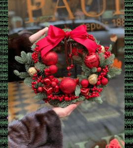 """Венок """"Подарок Санты"""" – Інтернет-магазин квітів STUDIO Flores"""