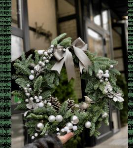 """Венок """"Млечный путь"""" – Інтернет-магазин квітів STUDIO Flores"""