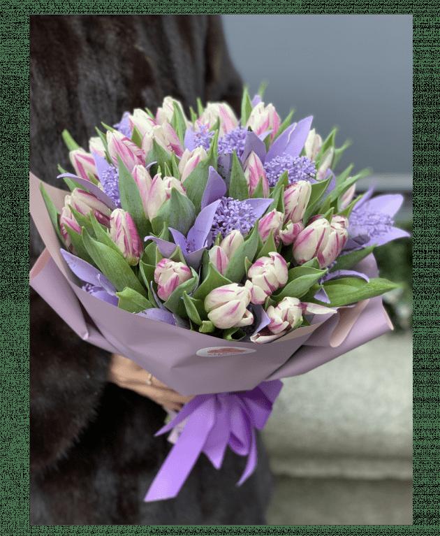 Зимовий букет тюльпанів – Інтернет-магазин квітів STUDIO Flores