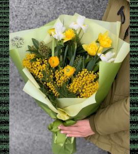 Букет с мимозой – Интернет-магазин цветов STUDIO Flores