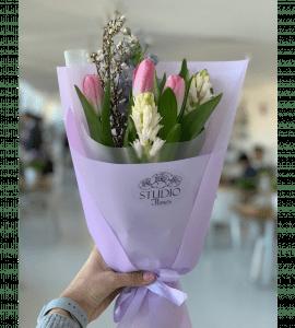 Недорогой букет тюльпанов - Studio Flores