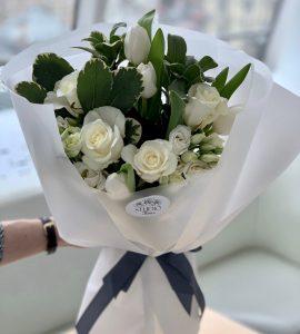 Bouquet 'Sincerity' – Flower shop STUDIO Flores