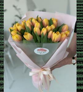 Букет 35 тюльпанов – Интернет-магазин цветов STUDIO Flores