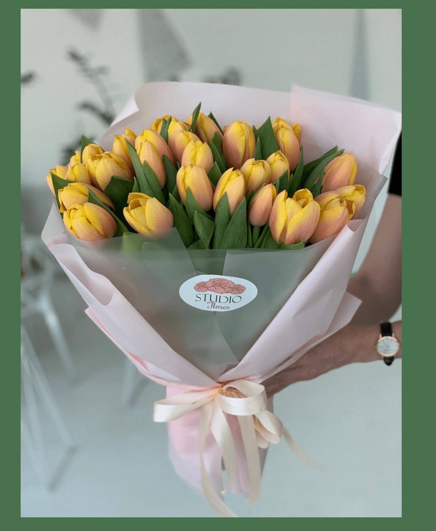 b6ddeeddf9a341 Купити букет тюльпанів - замовлення, доставка тюльпанів по Києву, кращі  ціни   магазин STUDIO Flores