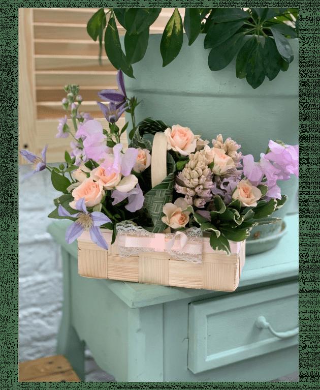 Корзина цветов 'Для Мамы' – Интернет-магазин цветов STUDIO Flores