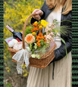 """Корзина цветов """"Праздничная"""" – Інтернет-магазин квітів STUDIO Flores"""