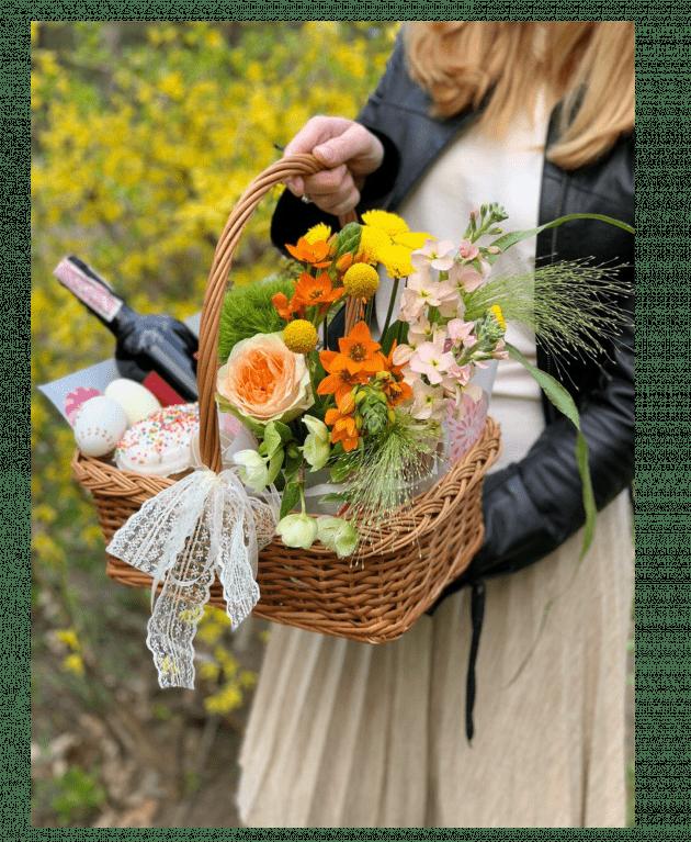 """Корзина цветов """"Праздничная"""" – Интернет-магазин цветов STUDIO Flores"""