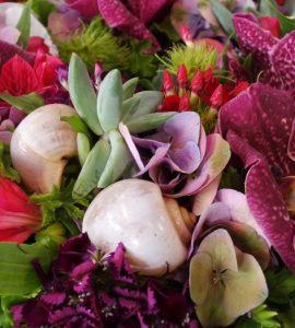 букет з екзотичними квітами
