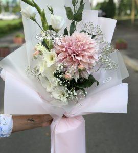 Букет цветов 'Школа' – Интернет-магазин цветов STUDIO Flores