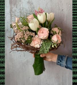 Букет на каркасе – Интернет-магазин цветов STUDIO Flores