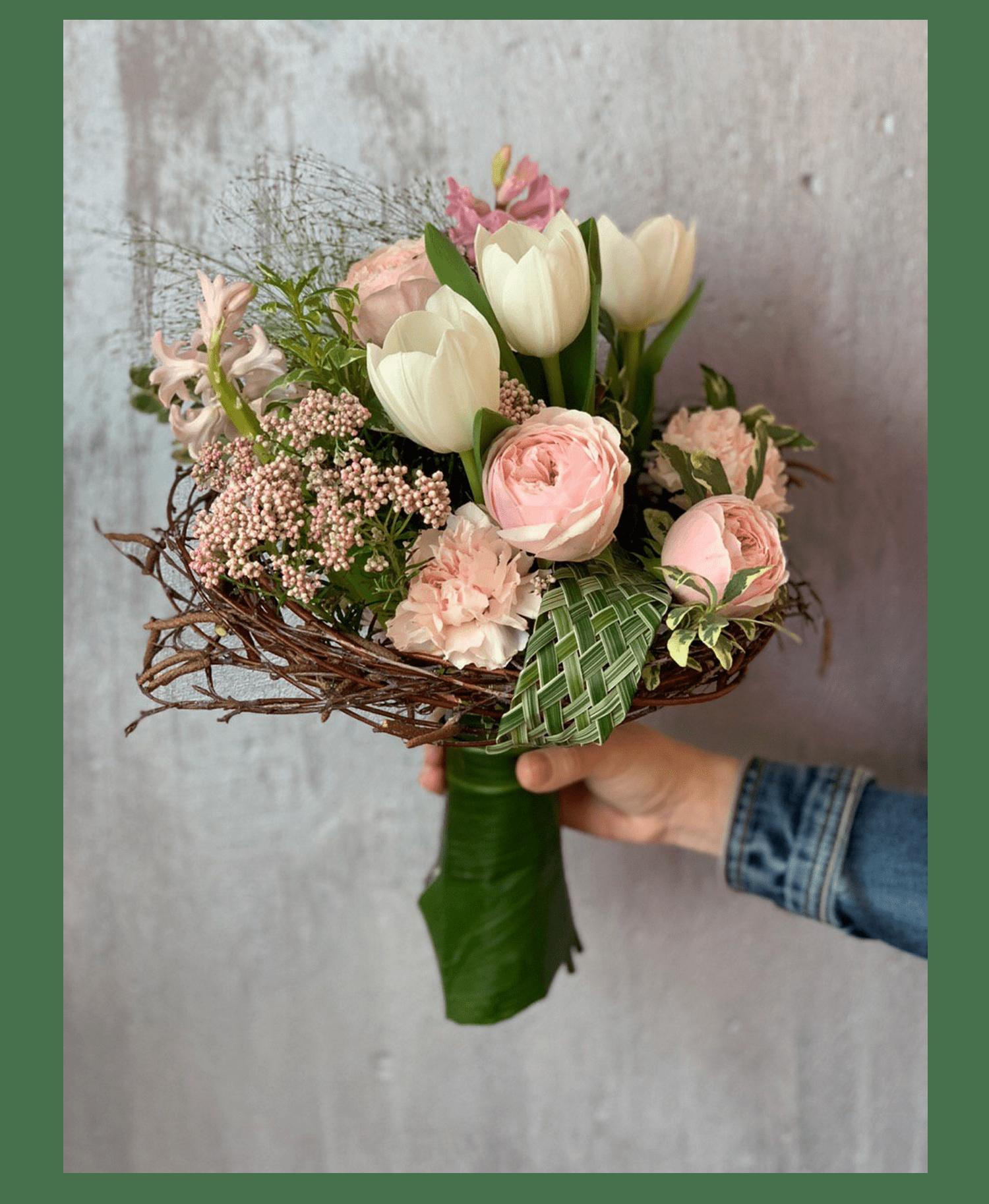 Букет на каркасе – Інтернет-магазин квітів STUDIO Flores