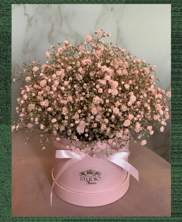 Букет с гипсофилой – Интернет-магазин цветов STUDIO Flores