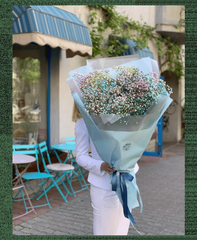 Букет с радужной гипсофилой – Интернет-магазин цветов STUDIO Flores