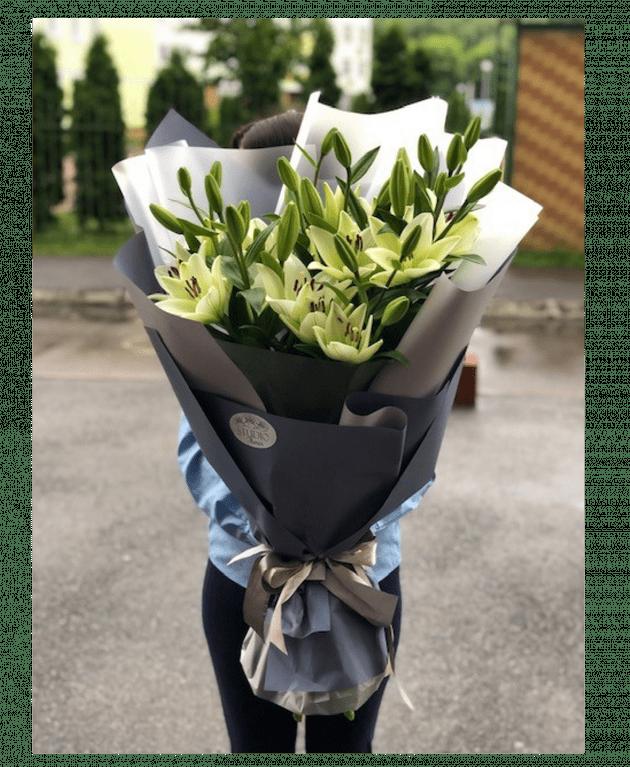 Букет гигант с лилиями – Интернет-магазин цветов STUDIO Flores