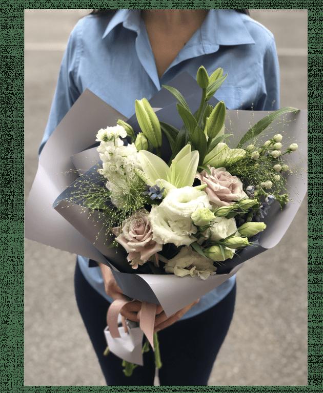 Букет с Лилией – Интернет-магазин цветов STUDIO Flores