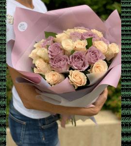 Букет 25 роз ассорти – Интернет-магазин цветов STUDIO Flores