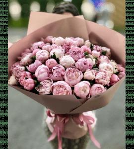 Букет из 45 пионов – Интернет-магазин цветов STUDIO Flores