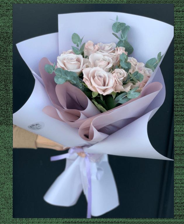 Букет одинадцать роз Мента – Интернет-магазин цветов STUDIO Flores