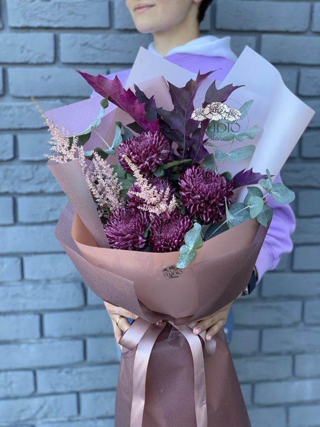 Букет з хризантемами – Інтернет-магазин квітів STUDIO Flores