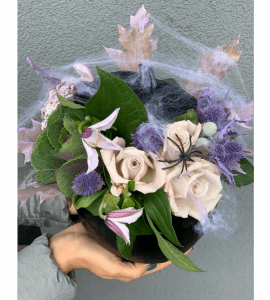 """Букет """"Таинственный Хеллоуин"""" – Інтернет-магазин квітів STUDIO Flores"""