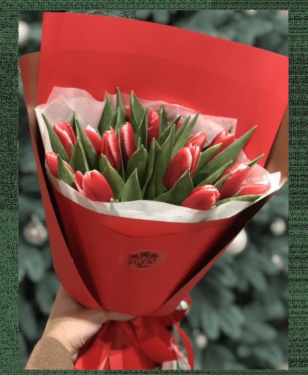 П'ятнадцять червоних тюльпанів – Інтернет-магазин квітів STUDIO Flores