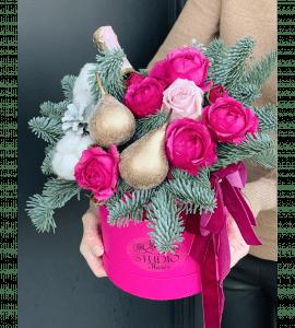 """Букет """"Новогодний каприз"""" – Інтернет-магазин квітів STUDIO Flores"""