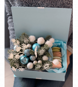 Букет новогодний с макаронами – Интернет-магазин цветов STUDIO Flores