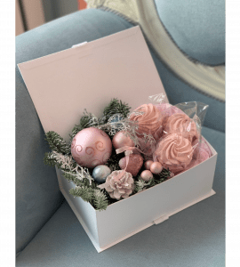 """Букет """"Новогодний зефир"""" – Інтернет-магазин квітів STUDIO Flores"""