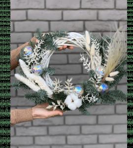 """Новогодний венок """"Мыльные пузыри"""" – Інтернет-магазин квітів STUDIO Flores"""