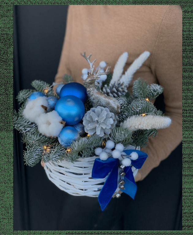 Новогодняя композиция 'Полярная ночь' – Интернет-магазин цветов STUDIO Flores
