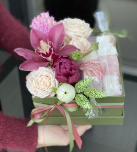 Букет с маршмеллоу – Інтернет-магазин квітів STUDIO Flores