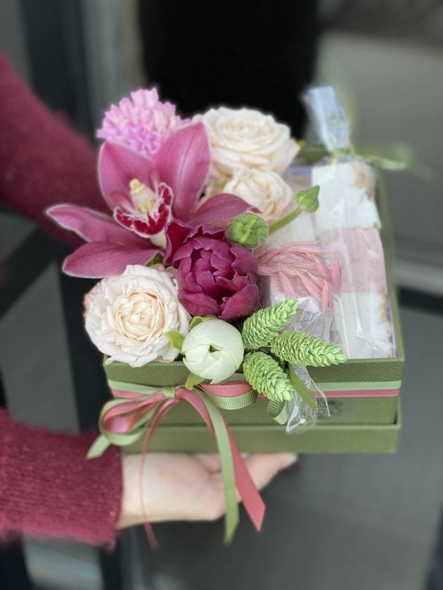 Букет с маршмеллоу – Интернет-магазин цветов STUDIO Flores