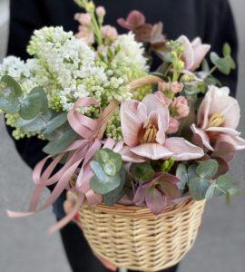 Корзина квітів 'Шоколадний маффін' – Інтернет-магазин квітів STUDIO Flores