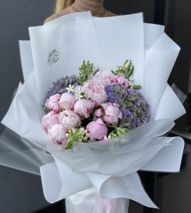 Buy peonies with delivery