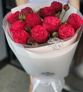 Букет одиннадцать красных роз Пиано – Интернет-магазин цветов STUDIO Flores
