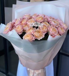 Buy a bouquet of spray roses
