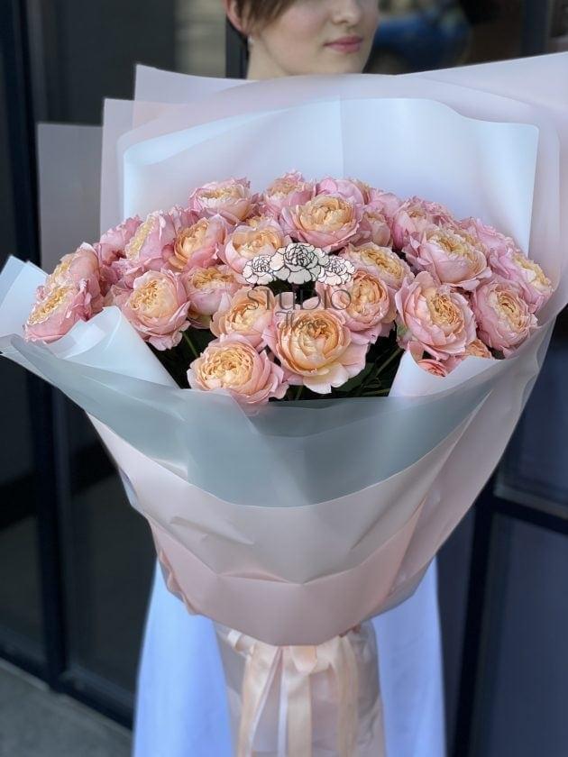 Букет п'ятнадцять троянд Джульєтта – Інтернет-магазин квітів STUDIO Flores