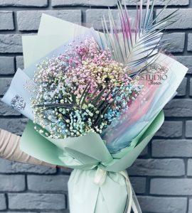 Букет с гипсофилой 'Эпатаж' – Интернет-магазин цветов STUDIO Flores