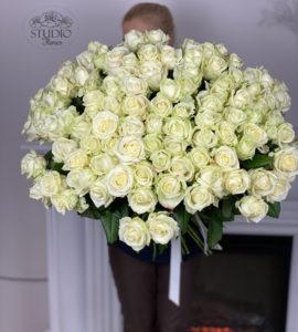 Bouquet 101 white roses – Flower shop STUDIO Flores