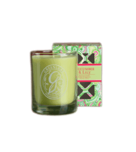 Candle with the signature 'Cucumber and lily' – Flower shop STUDIO Flores