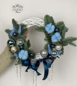 Вінок 'Ніч перед Різдвом' – Інтернет-магазин квітів STUDIO Flores